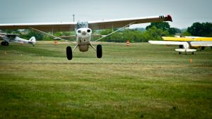 An Aviat Husky approaches the threshold of the Llano STOL competition
